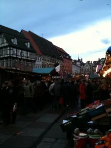 Das Herz der Adventsstadt - Quedlinburgs überfüllter Marktplatz