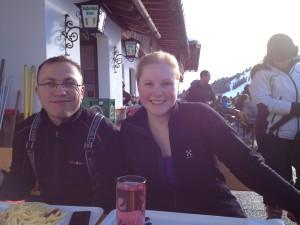 Verdiente Mittagspause mit Skifahrer Brause, Dani und Teichi