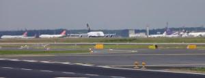 Stand nicht nur rum, sondern startete auch (zumindest ein Schwesterflieger): Die A380
