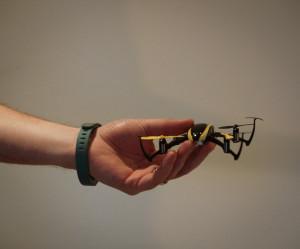 Unser Übungsgerät - klein, unzerstörbar, 5 Minuten Flugzeit / Akku, 18g leicht