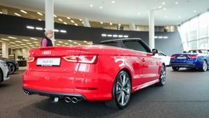 S3 Cabriolet in misanorot. Allrad, Automatik, 300PS. Nett.