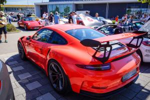 Nur nochmal der Vollständigkeit halber: GT3 RS in lavaoranger. Besser geht es meiner Meinung nach aktuell nicht.
